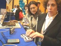 写真:多様なデバイスをつないで進化するPDA,デモも当事者が。