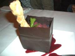 写真:もはや、伝説!チョコレートタワー!