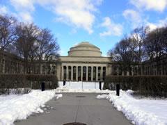 写真:MITのMaclaurine Bldg