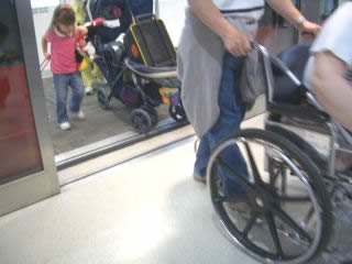 ベビーカーも車椅子もOK