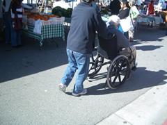 画像:車いすの方もたくさん